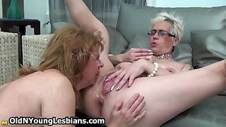 Horny mature wife squirts all over her